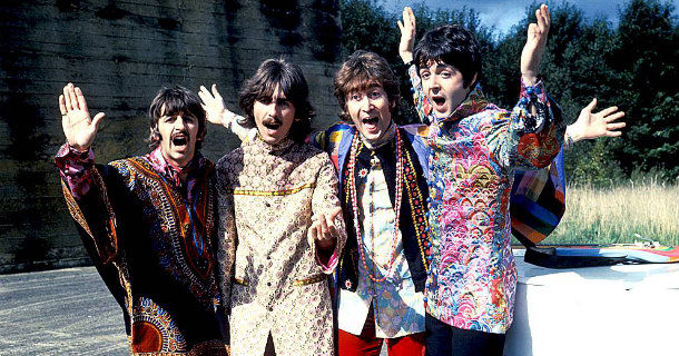 "The Beatles - Ringo Starr, George Harrison, John Lennon, Paul McCartney i ""Magical Mystery Tour"" i SVT Play"