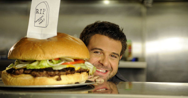 "Adam Richman i dokumentärserien ""Amazing Eats"" i TV10 Play"