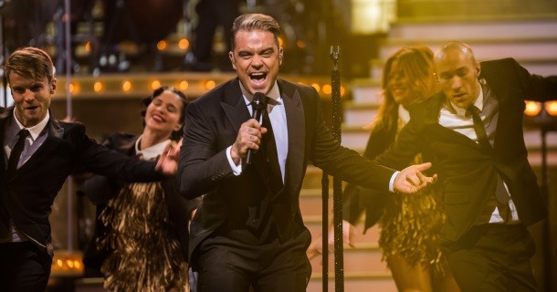"Robbie Williams i ""Robbie Williams: En kväll på Palladium"" i SVT Play"