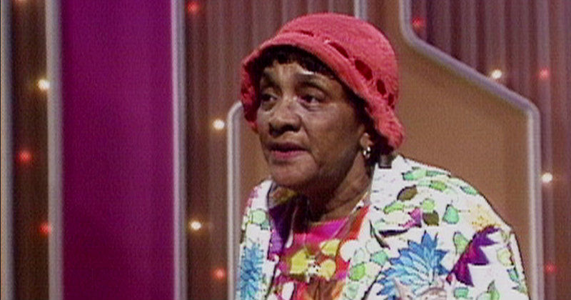 "Moms Mabley i ""Whoopi Goldberg presenterar Moms Mabley"" i SVT Play"