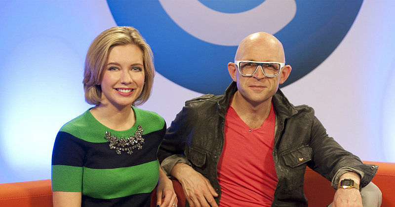 "Programledare i ""The Gadget Show"" i TV10 Play"