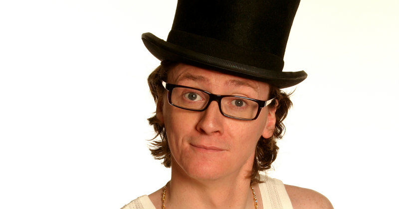 Ed Byrne i Ed Byrne: Different class i TV4 Play