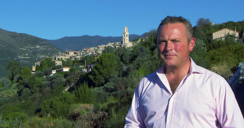 "Jules Hudson i serien ""Escape to the Continent"" i TV8 Play"