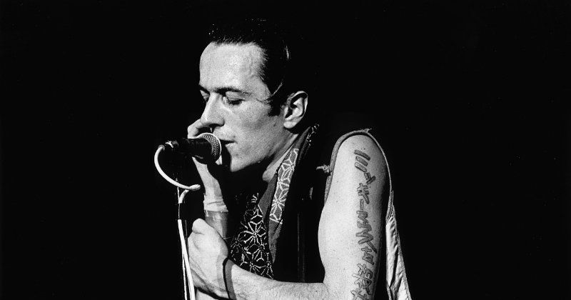 "Joe Strummer i dokumentären ""Joe Strummer: The Future Is Unwritten"" i TV4 Play"