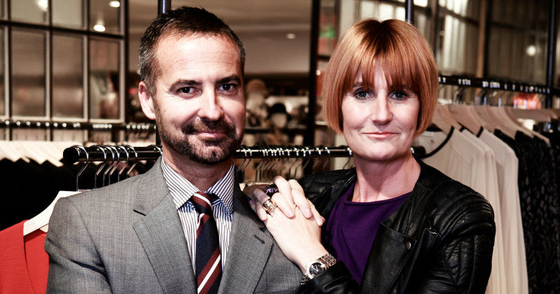 "Peter Cross and Mary Portas i serien ""Mary Portas - Upp till bevis"" i TV8 Play"