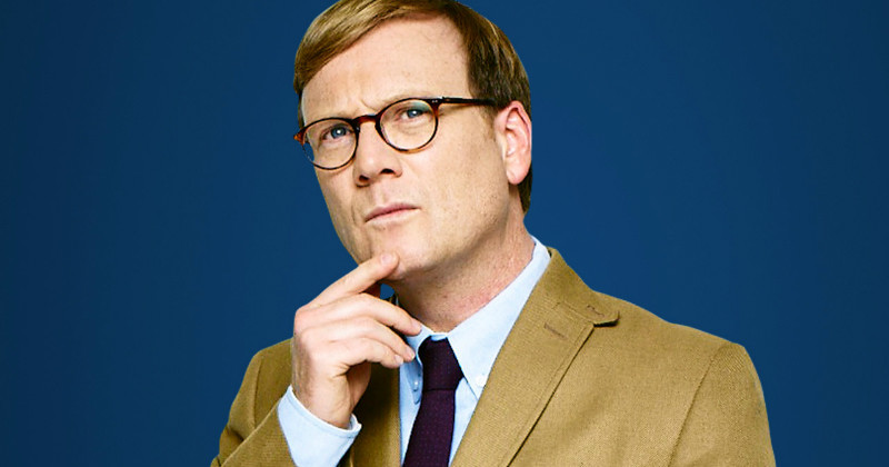 Forrest MacNeil i humorserien Review i TV3 Play