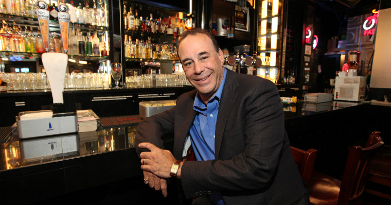 Jon Taffer i Barakuten i TV4 Play