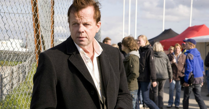 "Krister Henriksson i ""Wallander: Kuriren"" i TV4 Play"