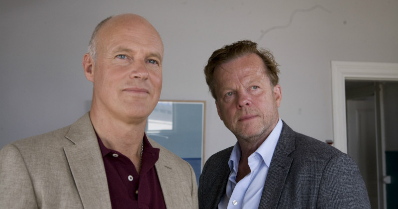 Sauk och Henriksson i Wallander: Skytten i TV4 Play