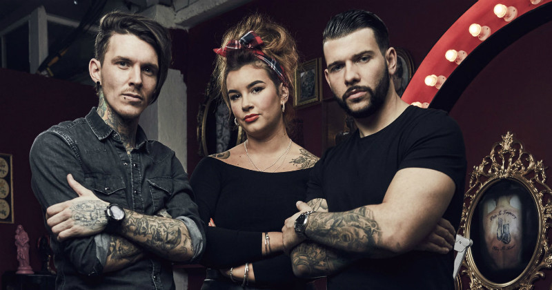 "Medverkande i realityserien ""Tattoo Fixers"" i TV6 Play"