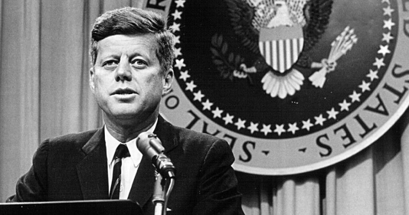 "John F. kennedy i ""60-talets USA"" i UR Play"