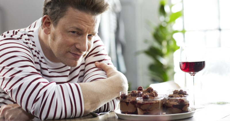 Jamie Oliver i Jamie´s Quick & Easy Food i TV8 Play