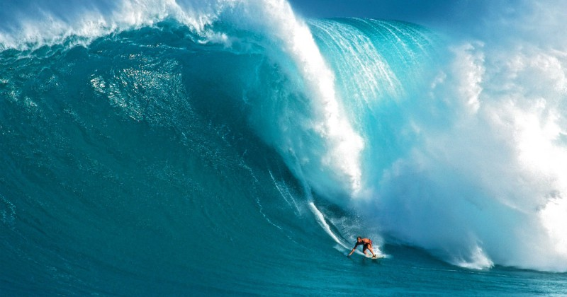 Take Every Wave SVT Play, Laird Hamilton
