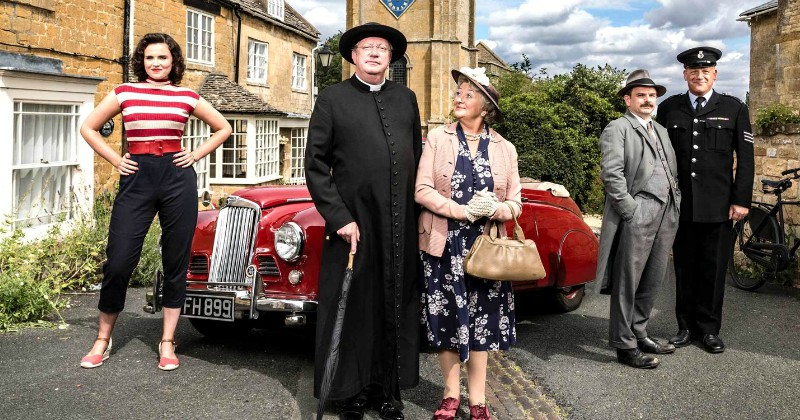 Streama Father Brown på TV8 Play