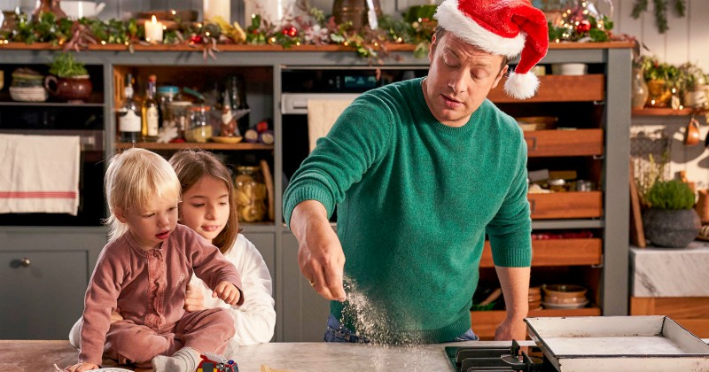 """Jamie Oliver i """"Jamie´s Quick and Easy Christmas"""" på TV8 Play Viafree"""